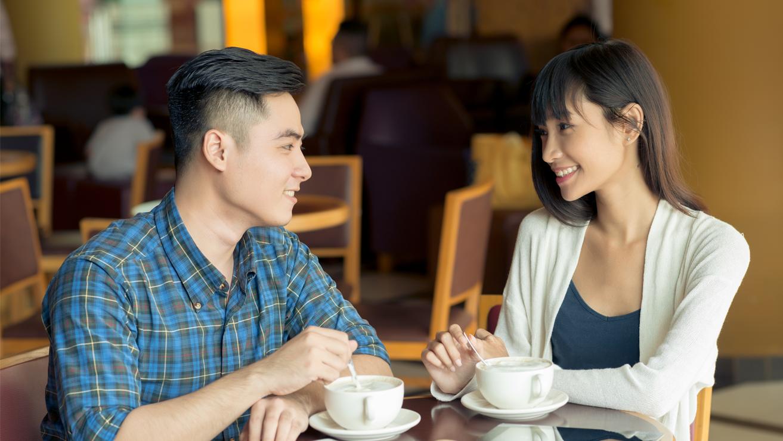 cara-mengatasi-bau-mulut-saat-first-date.png