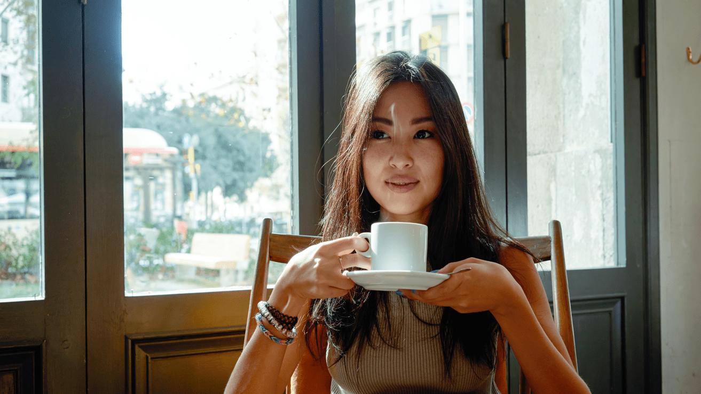 cara-menghilangkan-plak-pada-gigi-untuk-penikmat-kopi