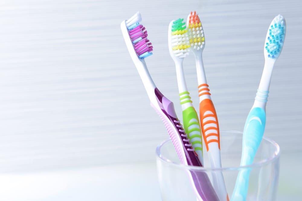 listerine-yakin-sikat-gigimu-bersih-saat-traveling-3.jpg