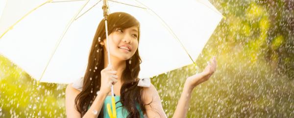 listerine-4-tips-hindari-penyakit-khas-musim-hujan.png